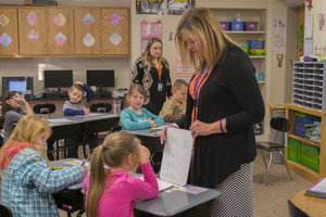 Snow receives state-wide teacher award