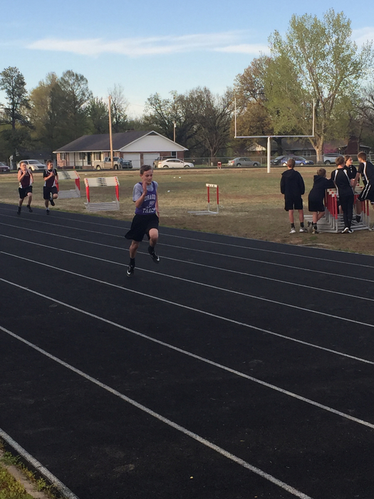 7th grade boys 200 meter dash